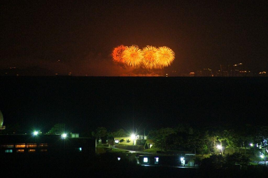 c11e2ebca54d24f80028b097cab9ea9a6aae4cbb6442ee33d0e342edc2d68fee728ef567d3717fe8863c8ccc1609893298e6d028577f48ffa9d8f91490eccc689f115e66113f29bd1843bc553a385363a23fa641628aa4fd8ed801a9a6e4fca13b267bf.jpg 대마도에서 바라본 부산광역시 모습.JPG