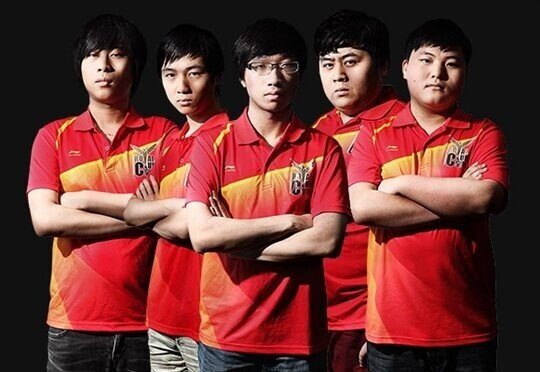 Royal Club Huang Zu.jpg 역대 롤드컵 우승팀들 2편 - 2013 SKT T1.jpg