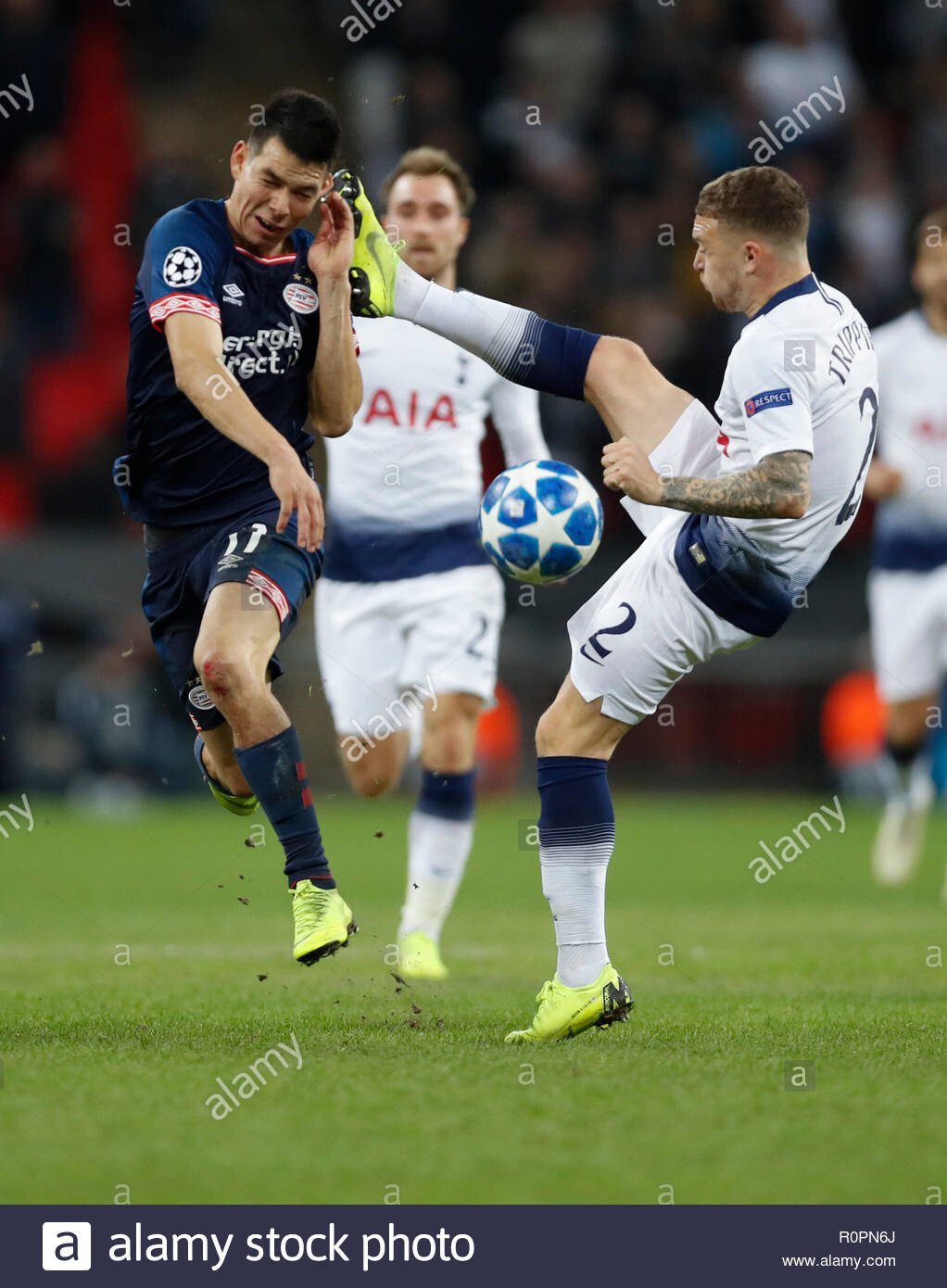 london-uk-6th-nov-2018-tottenham-hotspurs-kieran-trippier-r-fouls-eindhovens-hirving-lozano-during-the-uefa-champions-league-match-between-tottenham-hotspur-and-psv-eindhoven-in-london-britain-on-.jpg 트리피어의 조축노라 챔스 우승 도전기 시즌 2 4화