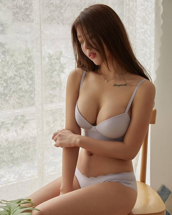 a4fb0beeeaf354b6667dc5edd911e1b5.jpg ㅇㅎ) 한국 女카레이서 몸매 피지컬