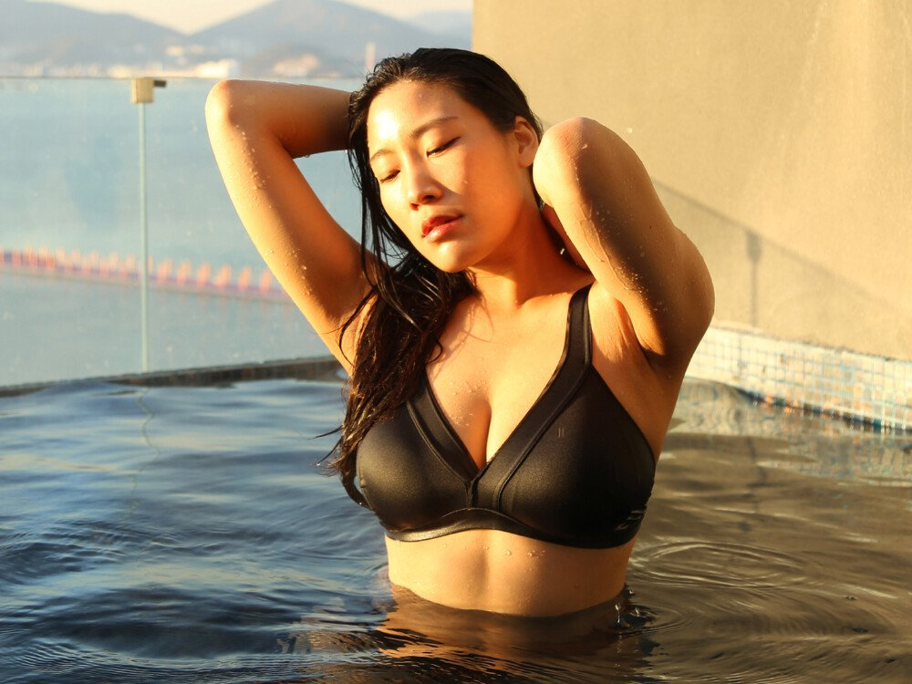 26c1a5a6f410bbff38d4f54ff14c2f49.jpg ㅇㅎ) 국내 빅사이즈 女속옷모델 피지컬