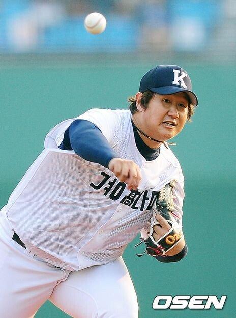 1.jpg 야구의 신.....혼자 야구하는 이대호 ㄷㄷㄷ.jpg
