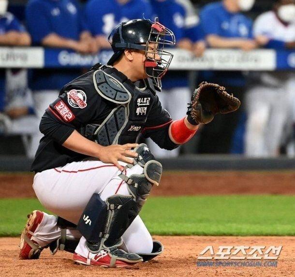 2.jpg 야구의 신.....혼자 야구하는 이대호 ㄷㄷㄷ.jpg