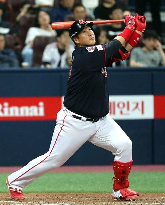 3.jpg 야구의 신.....혼자 야구하는 이대호 ㄷㄷㄷ.jpg