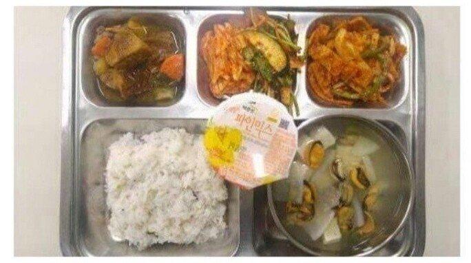 100-2.jpg 육군과 똑같은 식비를 쓰는 의경 식단