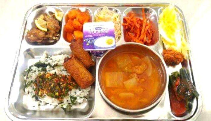 0.jpg 육군과 똑같은 식비를 쓰는 의경 식단