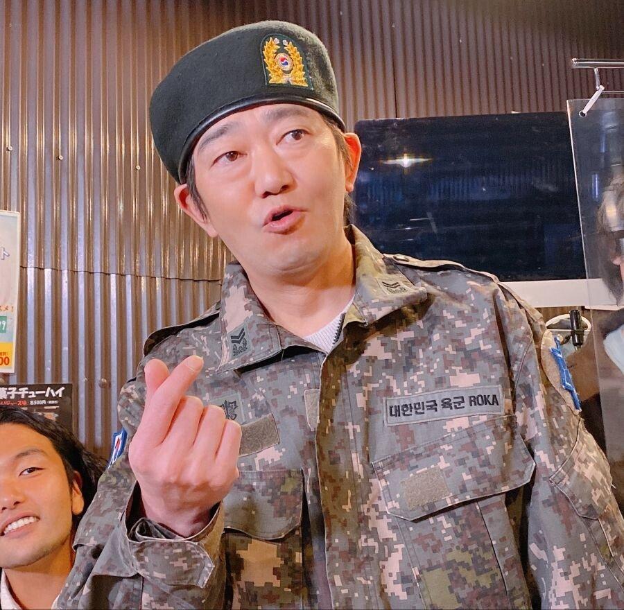 179680af3b52f527c.jpg 한국 군복을 빌려주는 일본술집