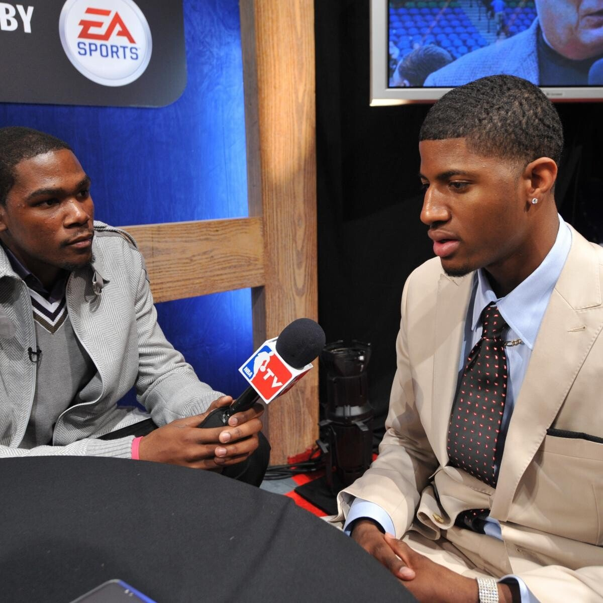 hi-res-102387961-kevin-durant-of-the-oklahoma-city-thunder-interviews_crop_exact.jpg ???: 에이스가 48분 뛰는건 효율적인게 아니에요