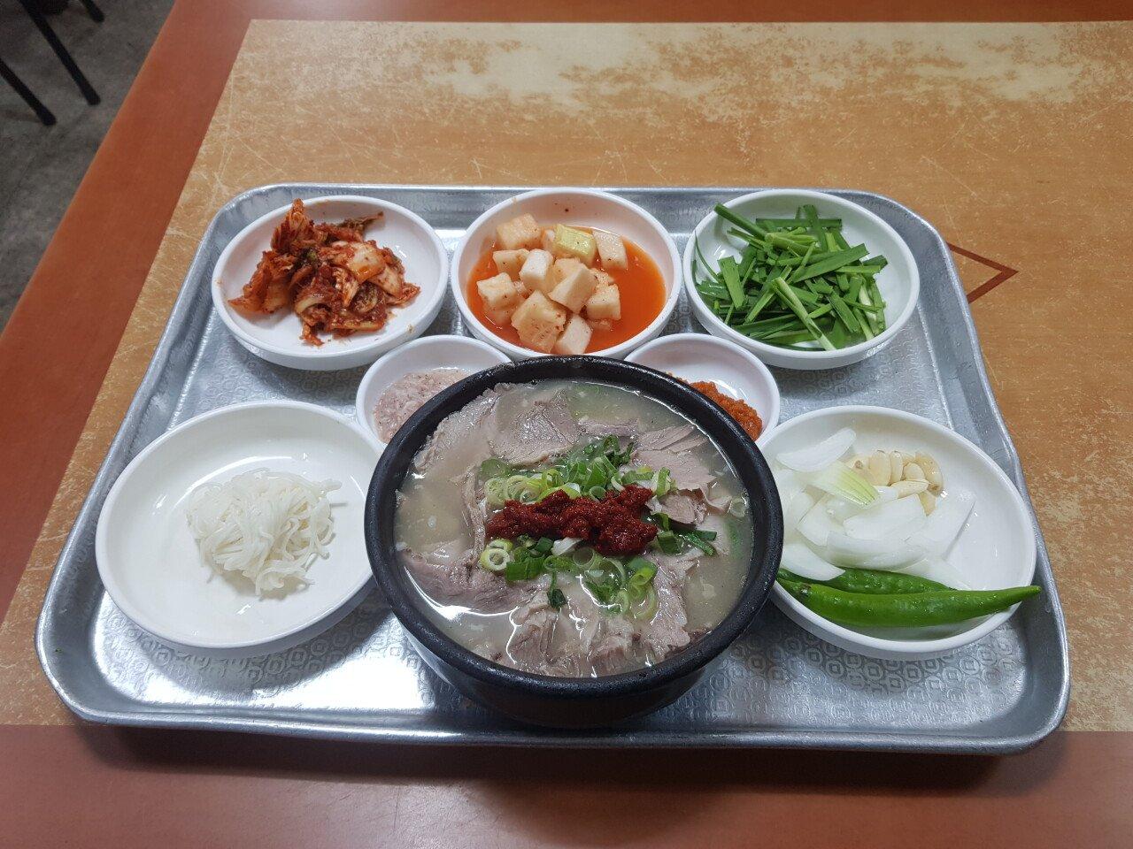 20210630_095043.jpg 부산 갔을때 먹은 국밥