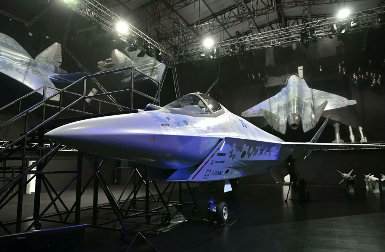 2021072104212191068.png 오늘 공개된 러시아의 신형 스텔스 전투기