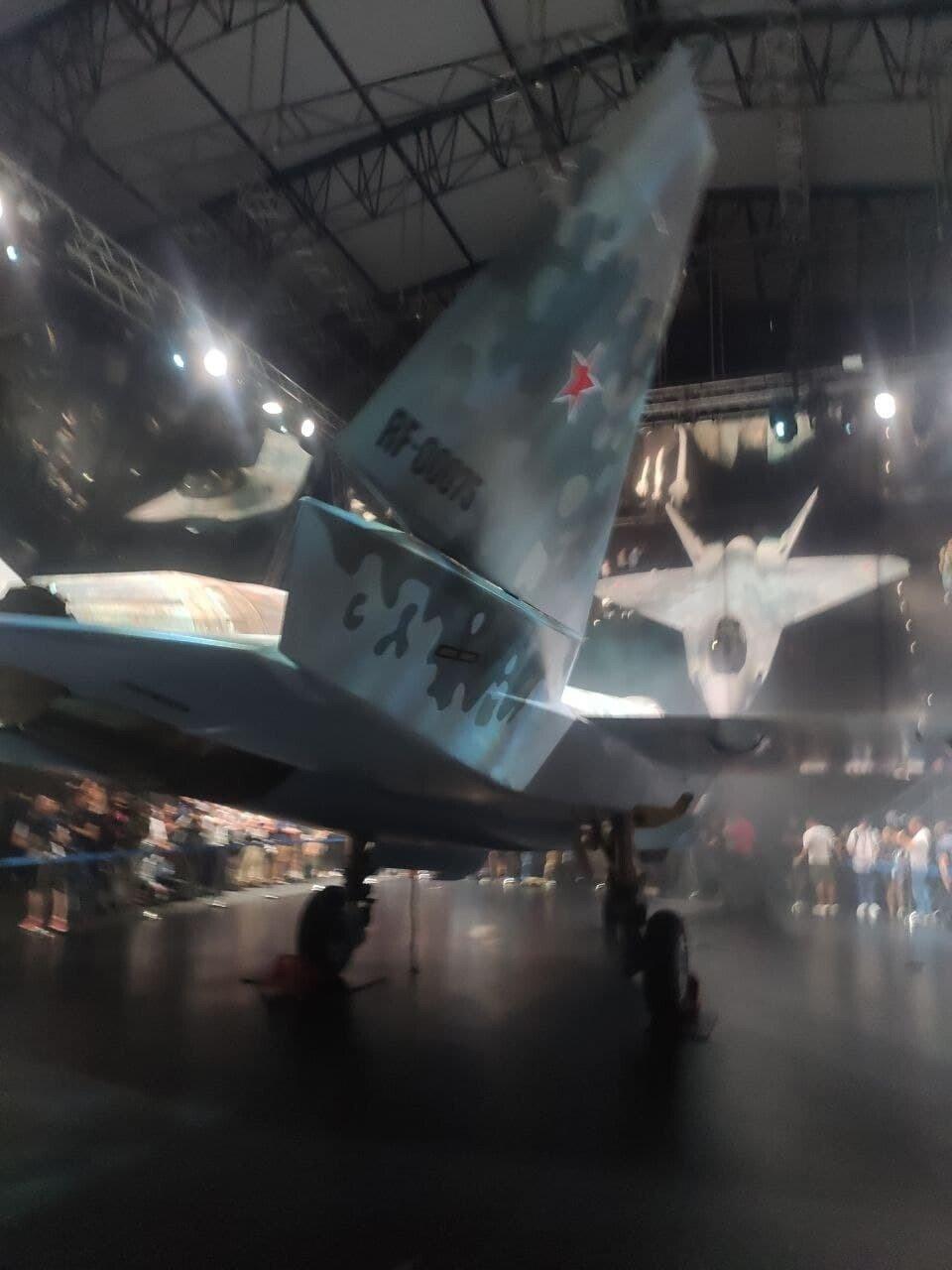 60f6ff3785f5400cc014fcc8.jpg 오늘 공개된 러시아의 신형 스텔스 전투기